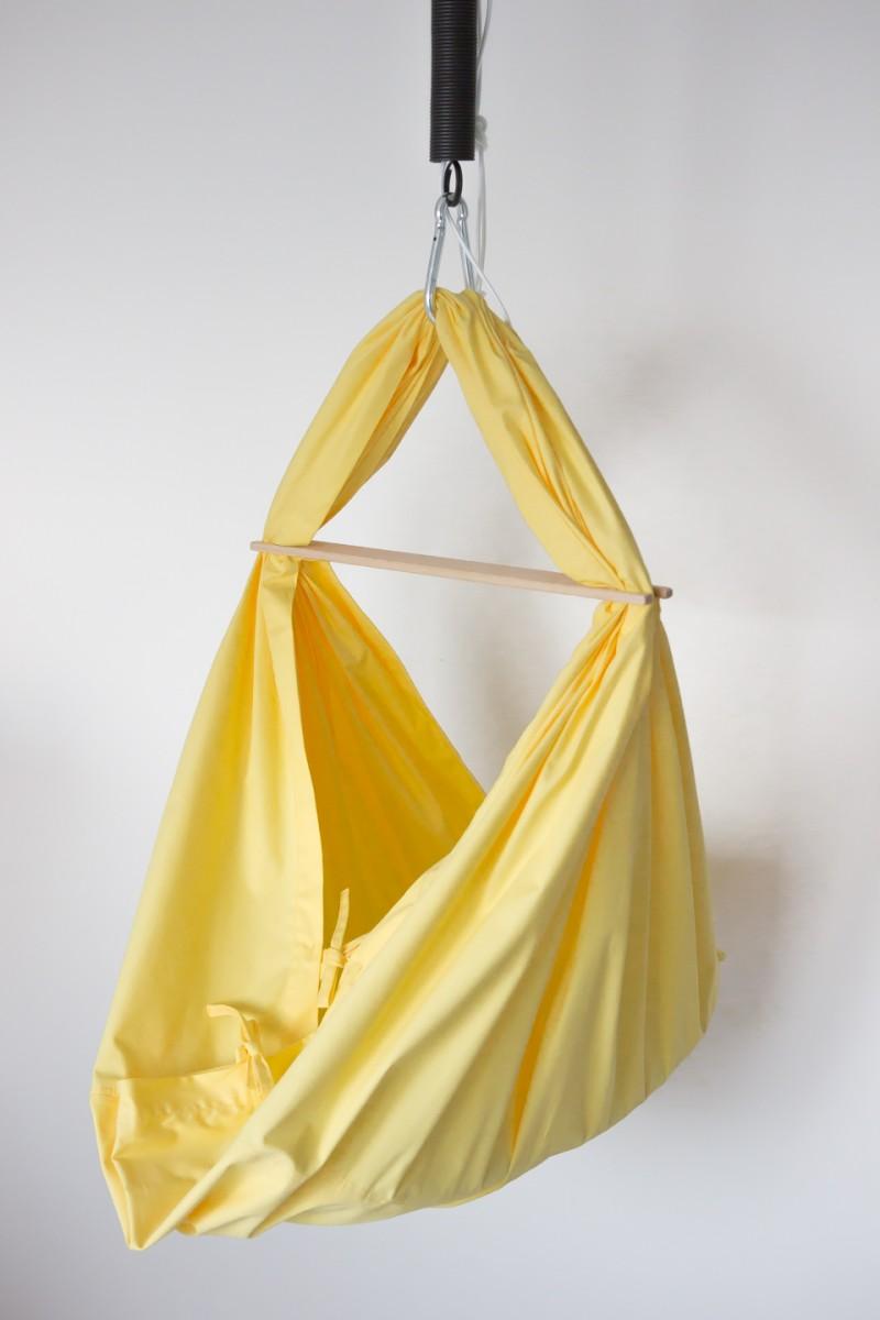HOJDAVAK BABY žlutý